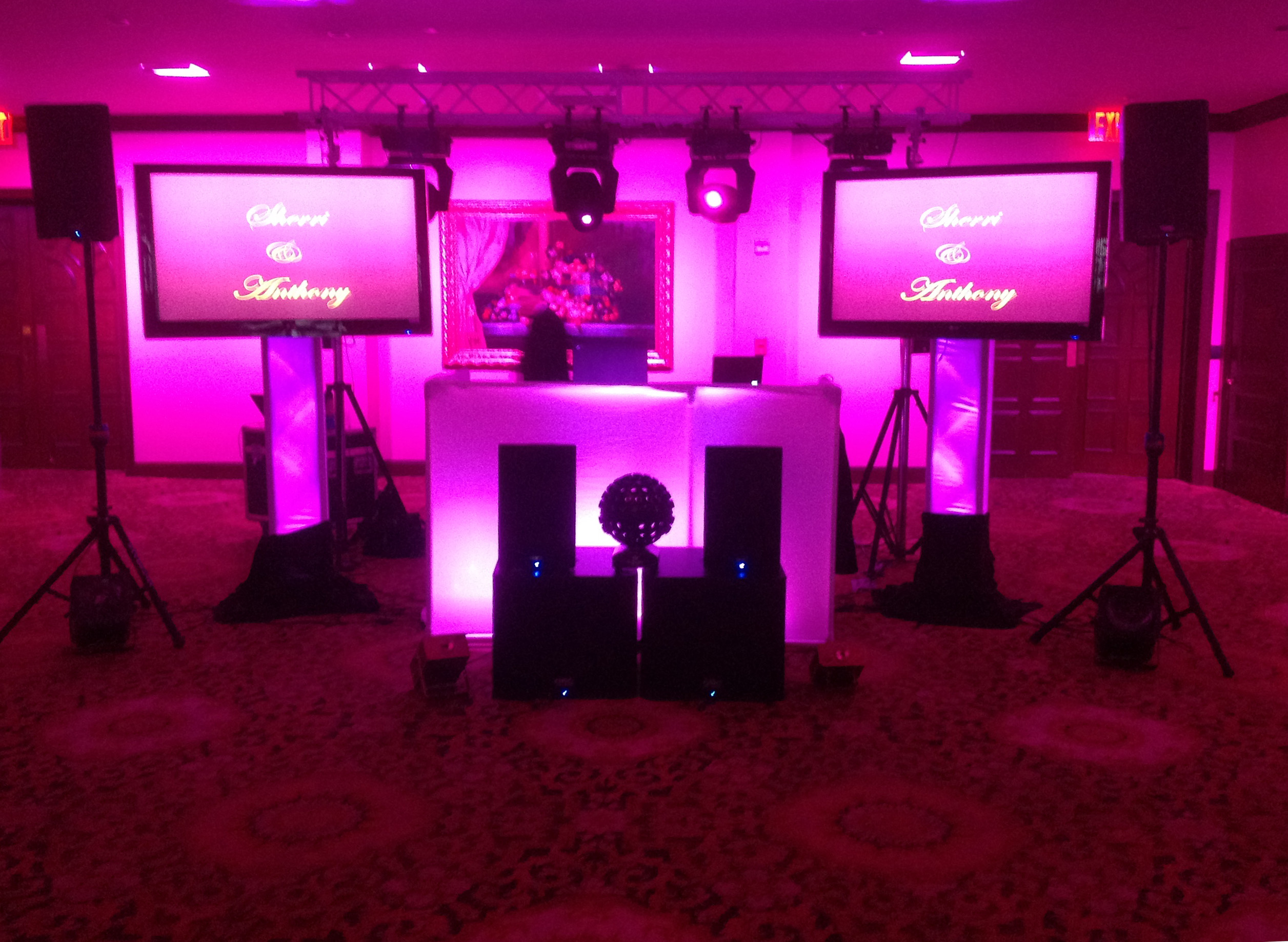 Plasma screens trussing connecticut wedding dj for 1234 dance floor